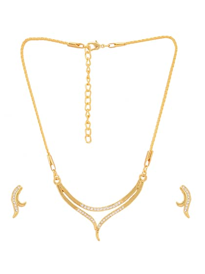 2c100ebfb8 Gold Plated Necklace - Buy Gold Plated Necklaces Online   Myntra