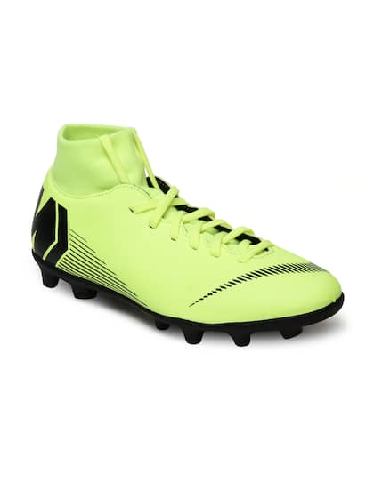 bab9b253f Football Shoes - Buy Football Studs Online for Men   Women in India