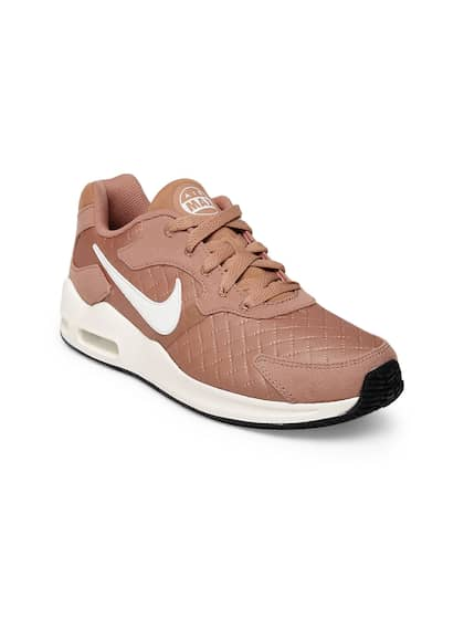 new styles bbb96 3610c Nike. Women AIR MAX GUILE Sneakers