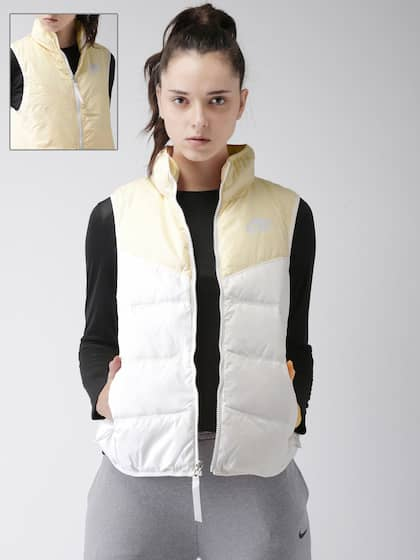 8a91b6a89649 Nike Jackets - Buy Nike Jacket for Men   Women Online