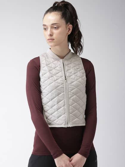 be02930afdc25 Nike Jackets - Buy Nike Jacket for Men   Women Online