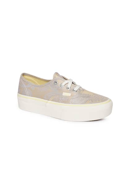 76433a11cdcfc Vans - Buy Vans Footwear, Apparel & Accessories Online | Myntra