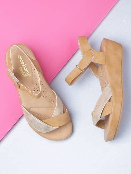 b886495133b Casual Shoes For Women - Buy Women s Casual Shoes Online from Myntra