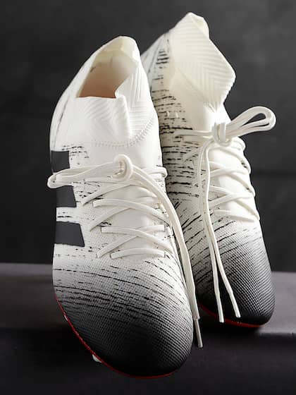 super popular 61315 49839 Football Shoes - Buy Football Studs Online for Men   Women in India