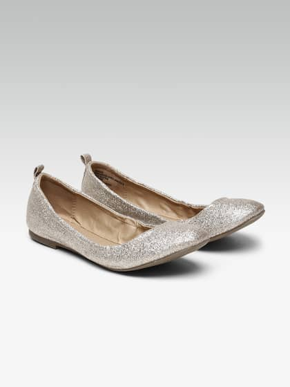 f803cb06ea1 Women Gold Flats - Buy Women Gold Flats online in India