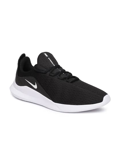 cd3e4fc5bba8 Nike. Men VIALE Sneakers