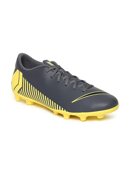 4f94e0dc Football Shoes - Buy Football Studs Online for Men & Women in India