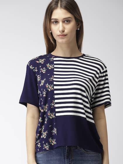 65ac3364ce1ab Levis T-Shirt - Buy Levis T-Shirt for Men & Women Online   Myntra