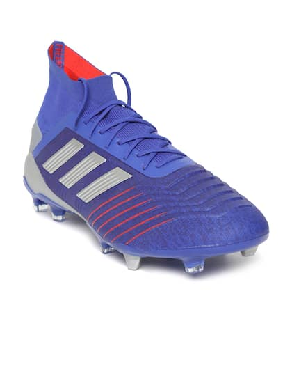 Football Shoes - Buy Football Studs Online for Men   Women in India 184a215709