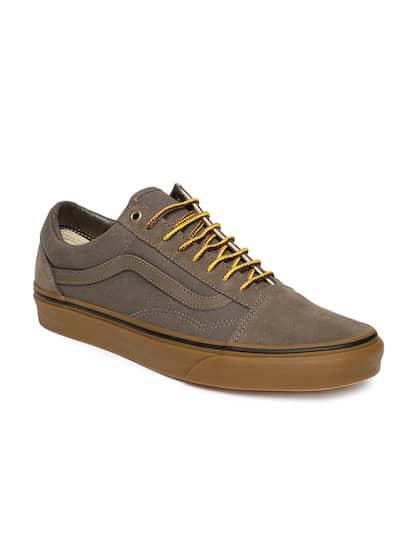 7cf483138d7e Vans. Unisex Solid Sneakers
