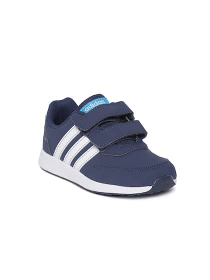 best sneakers 5b9fe e71dc ADIDAS. Solid Sneakers