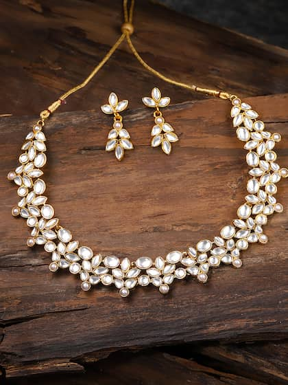 2bbfe4217 Zaveri Pearls. Kundan-Studded Jewellery Set
