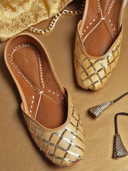 bdb580d593 Ethnic Footwear - Buy Ethnic Footwear Online | Myntra