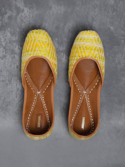 3cf8a7cf0 Ethnic Shoes | Buy Ethnic Shoes Online in India at Best Price