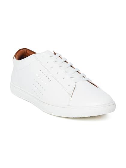 40c7d9f87d Sneakers Online - Buy Sneakers for Men   Women - Myntra