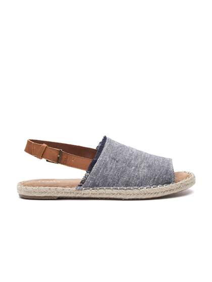 e57b0d8d013e49 Flat Sandals - Buy Flat Sandals Online in India