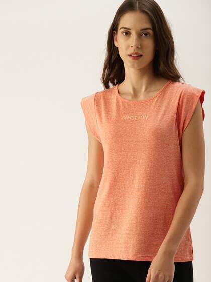 48949c8bae1c7 UCB T-shirt - Buy United Colors of Benetton T-shirts for Men   Women