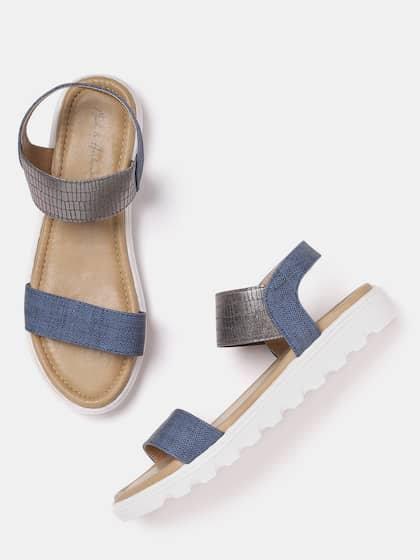 premium selection 465e1 e5e7a Mast   Harbour Women Blue   Gunmetal-Toned Colourblocked Open Toe Flats