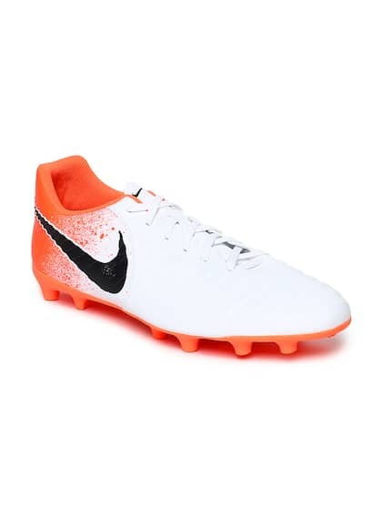 97f4ad16b Football Shoes - Buy Football Studs Online for Men   Women in India