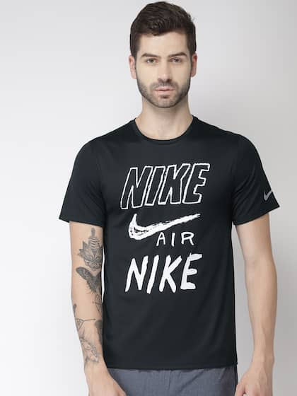 41d7758e Nike Men Black & White Printed Standard Fit BRTHE RUN SS GX Round Neck  Running T