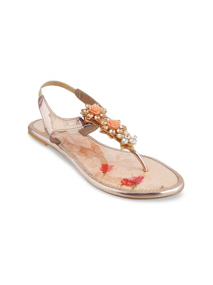 ac6f01feae1dc0 Mochi Shoes - Shop Online for Mochi Shoes in India