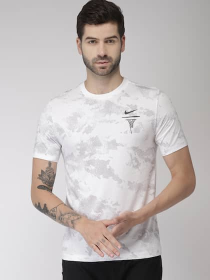 f45a6722 Nike TShirts - Buy Nike T-shirts Online in India | Myntra