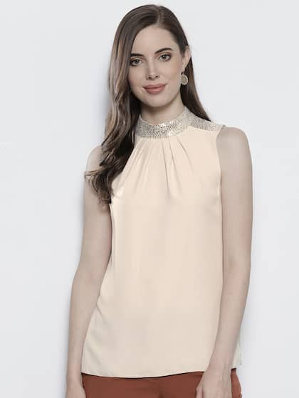3d4fd09c774 DOROTHY PERKINS Women Cream-Coloured Solid Styled Back Top