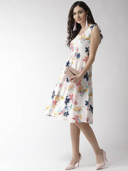 1bda3cc0104fe Floral Dresses - Buy Floral Print Dress Online in India | Myntra