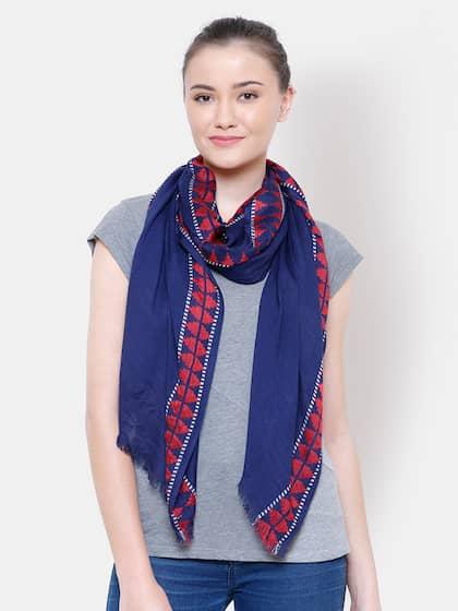 b5833d82ca872 Scarves for Women - Buy Women Scarves & Stoles Online | Myntra