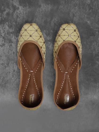 4c4226b3cc7 Ethnic Footwear - Buy Ethnic Footwear Online | Myntra