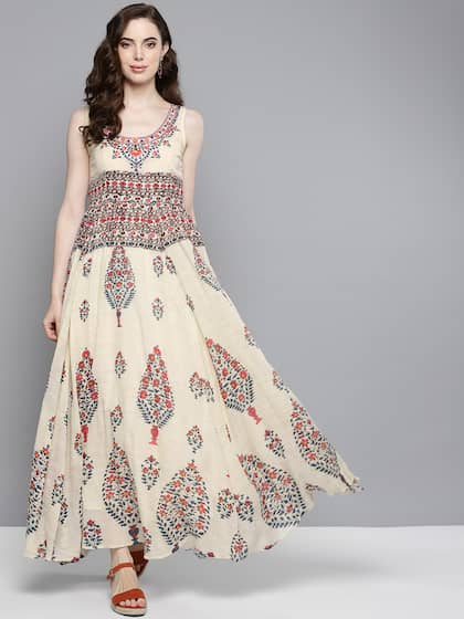 9aaade3f19 Label Ritu Kumar - Buy Designer Clothes from Ritu Kumar Online