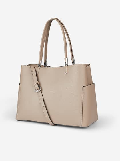 cba39e0e76a Shoulder Bags - Buy Shoulder Bags Online in India | Myntra