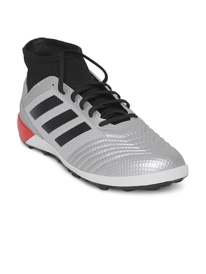 a3be6b30f Football Shoes - Buy Football Studs Online for Men & Women in India