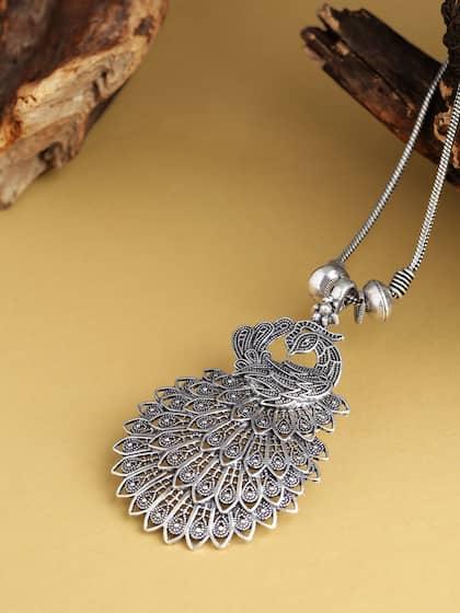 1dbf137eb Silver Necklaces -Buy Silver Necklace Online | Myntra