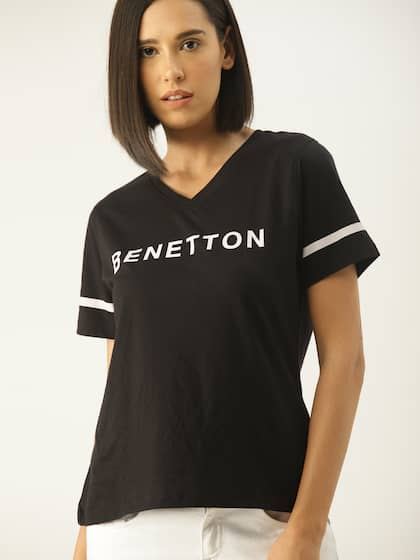 c369ef82382890 Size. United Colors of Benetton Women Black Printed V-Neck T-shirt