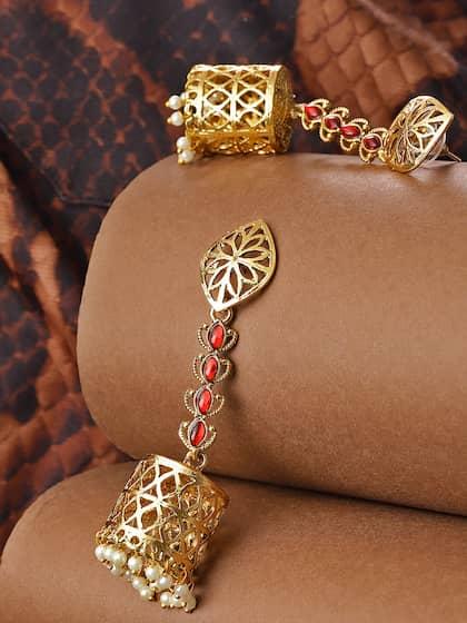 Jhumkas - Buy Jhumka Earrings Online in India | Myntra