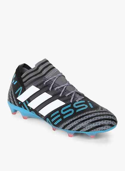 f37e2a59a Football Shoes - Buy Football Studs Online for Men & Women in India
