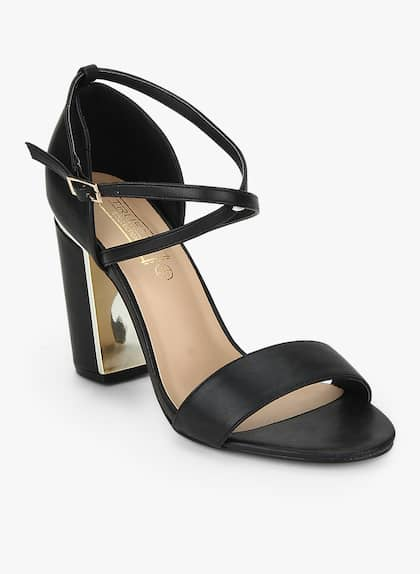 b18dbb71a579 Truffle Collection. Black Block Heel Sandals