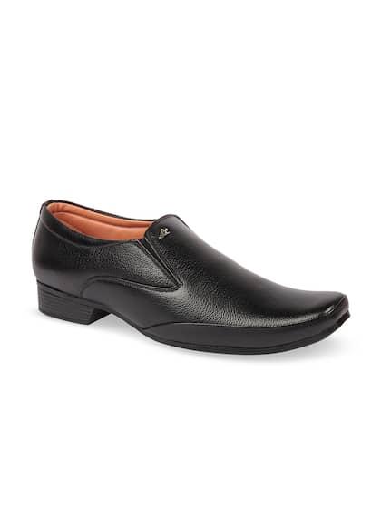 Respiro Men Black Formal Slip-On Shoes