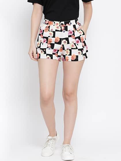 84de74e05e6a Type. WISSTLER Women Multicoloured Printed Regular Fit Hot Pants