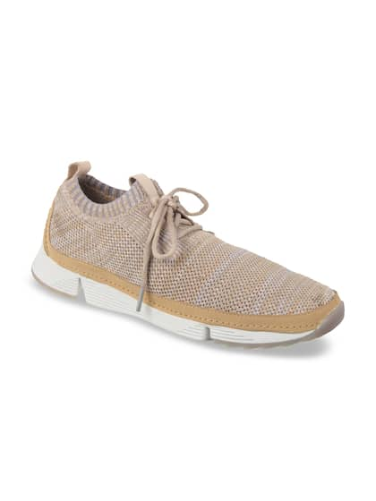 b966c1f9f773a9 Clarks Casual Shoes - Buy Clarks Casual Shoes Online in India