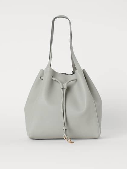 16260ff895b3 Hobo Bags Handbags - Buy Hobo Bags Handbags online in India