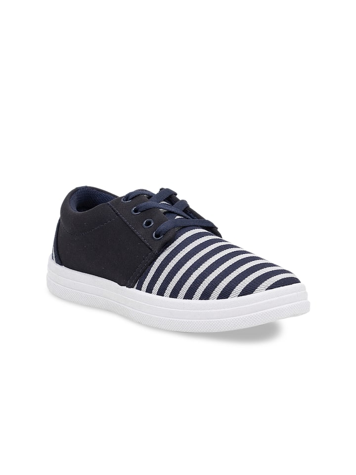 sneakers for girls myntra