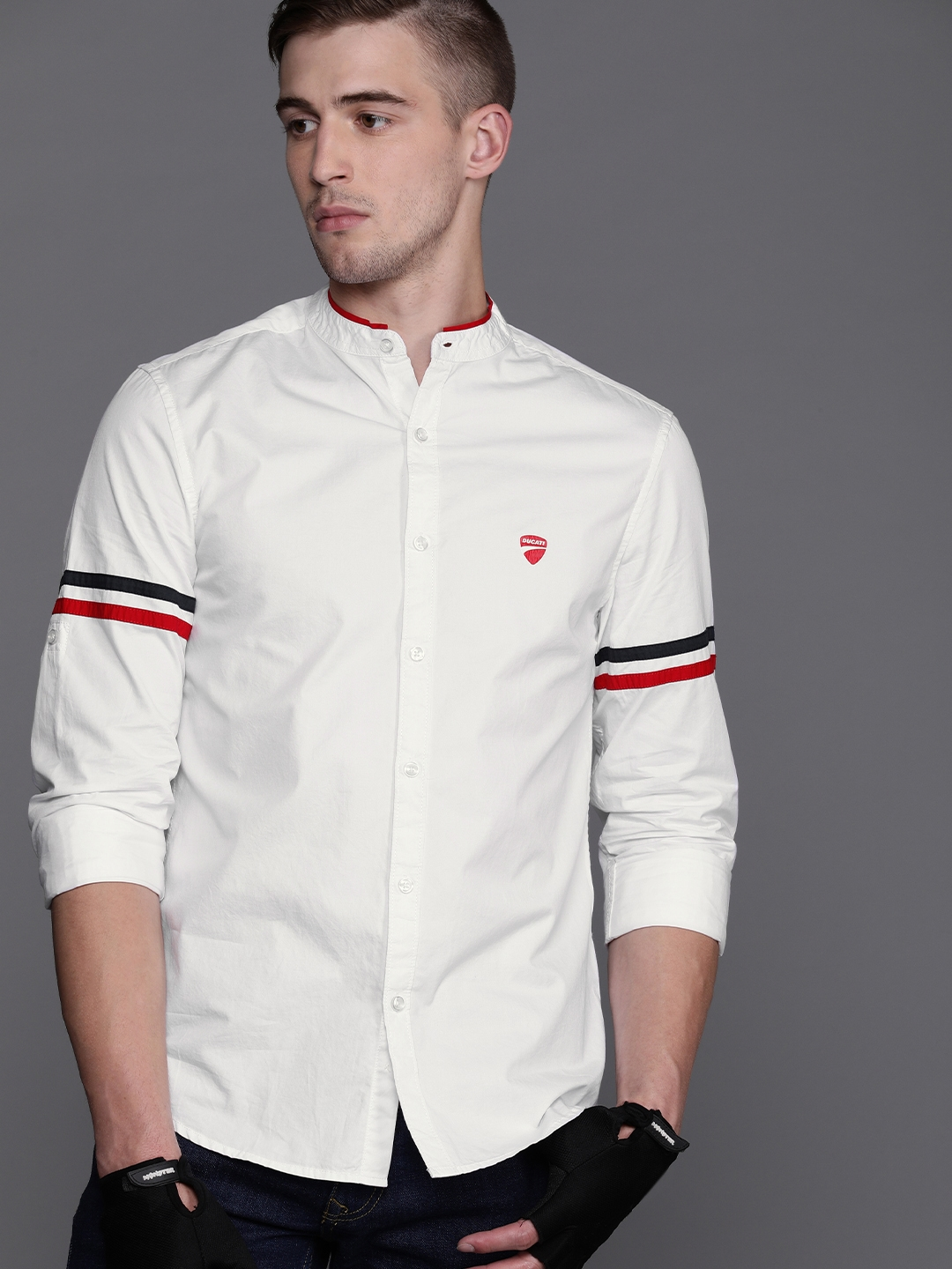 Ducati Men White Slim Fit Solid Casual Shirt
