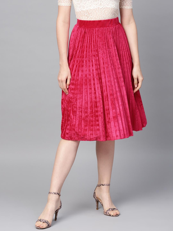 SASSAFRAS Women Pink Accordian Pleated Velvet Finish Flared Skirt