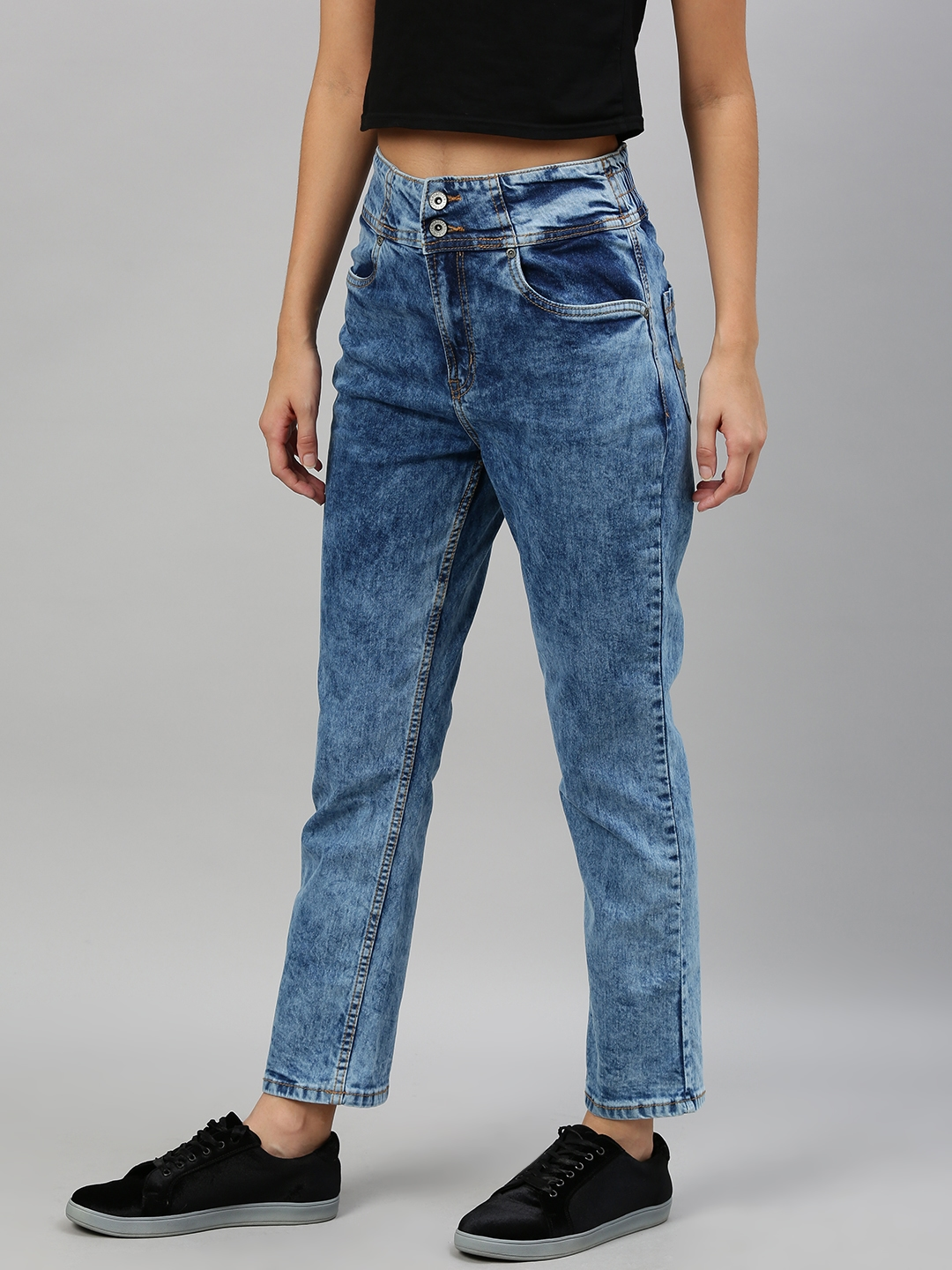 Roadster Woman Blue Solid Mid Rise Light Fade Stretchable Clean Look Jeans