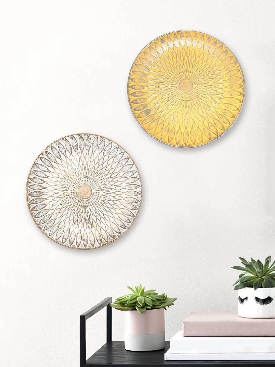 Art Street Set of 2 MDF Decorative Wall Plates Wall Decor Plates for Home   Office