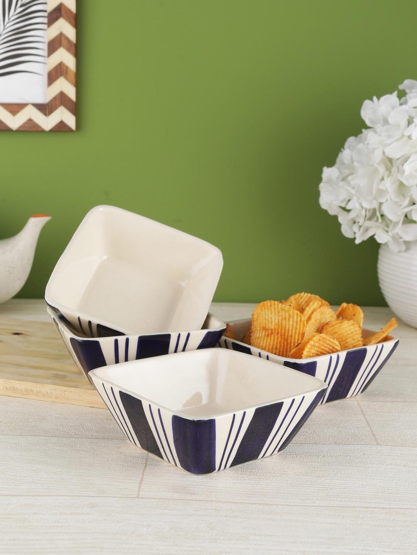 VarEesha Navy Blue   White 4 Pieces Printed Ceramic Bowls Set