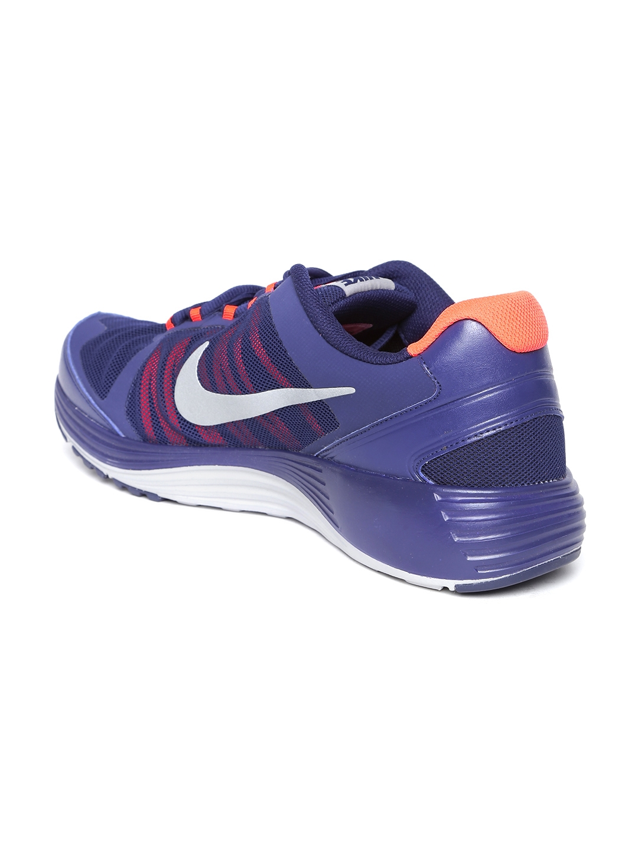 sports shoes b3b04 8437c Buy Nike Men Blue Revolve 2 Sports Shoes - Sports Shoes for Men ...