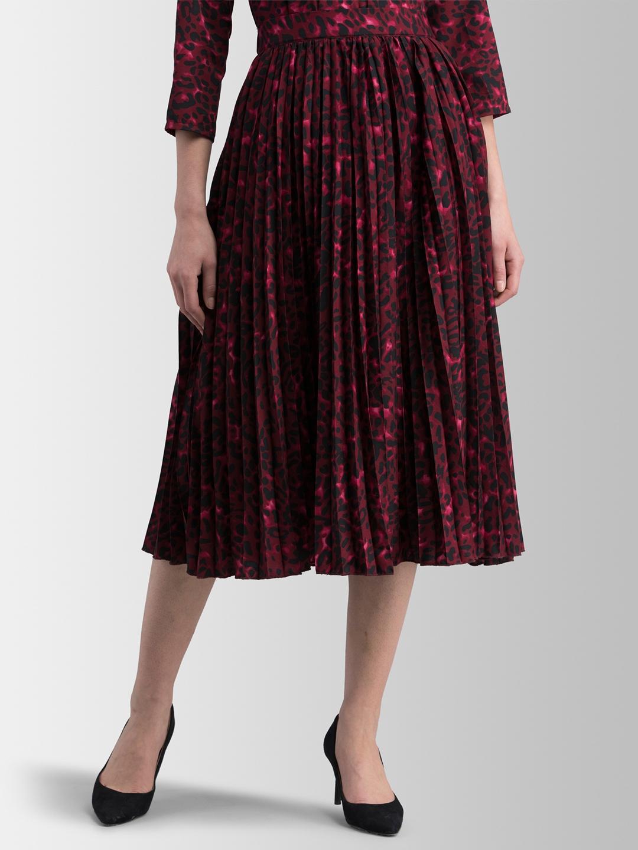 FableStreet Women Maroon   Black Printed Pleated Skirt